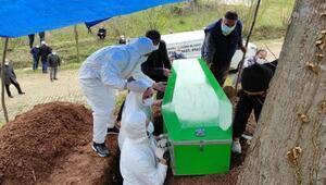 Sakaryada aynı aileden 5 kişi koronavirüsten hayatını kaybetti