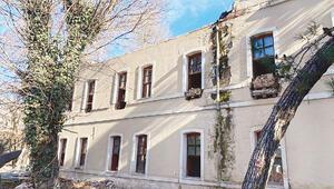Tarihi Divanhane Karakolu yıkıldı