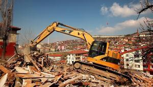 Bir yılda 159 metruk bina yıkıldı
