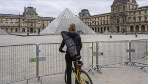 Fransada son 24 saatte 50 bin 659 koronavirüs vakası belirlendi