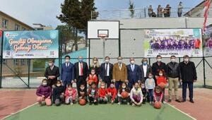 Nurettin Ekmekçioğlu İlkokulu çok amaçlı spor sahası törenle açıldı
