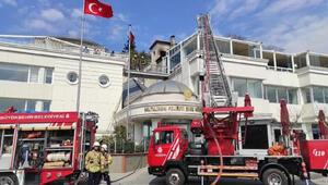 Baltalimanı Polis Evinin çatısında korkutan yangın