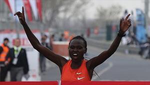 İstanbul Yarı Maratonunda dünya rekoru kırıldı