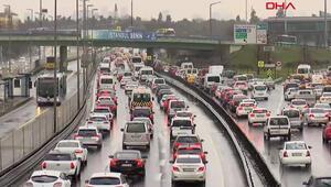 İstanbulda kısıtlama sonrası trafik yoğunluğu