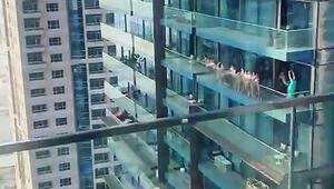 Dubaide gökdelende çıplak poz veren bir grup kadına gözaltı