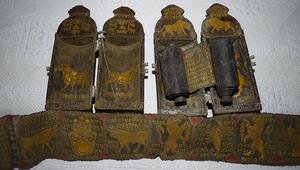 Edirne merkezli 6 ildeki tarihi eser operasyonunda altın işlemeli Tevrat ele geçirildi