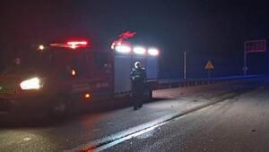 Afyonkarahisarda otomobil ile kamyon çarpıştı: 1 ölü, 2 yaralı