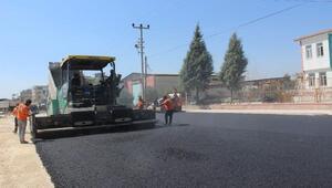 Büyükşehir'in yol asfalt ekibi durmaksızın çalışıyor