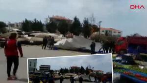 İzmir de fırtına paniği... Çatı bir anda pazar yerinin üzerine uçtu