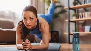 Pandemi bel ağrılarını artırdı Bel ağrısına karşı 7 etkili egzersiz