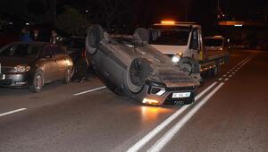 İzmir'de takla atan cip, park halindeki araçlara çarptı: 1 yaralı