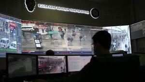 Maske takmayan vatandaşları kameradan tespit edip uyarıyor