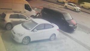 Sultangazide hafriyat kamyonu çarptığı otomobili böyle sürükledi