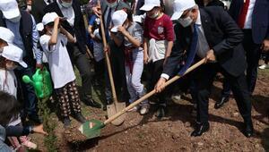 Diyarbakırda 2121 fidan toprakla buluştu