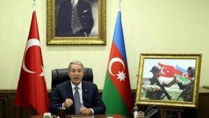 Bakan Hulusi Akar, Azerbaycan Savunma Bakanı Hasanov ile videokonferans görüşmesi yaptı