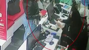 İran uyruklu kadınların tırnakçılık yöntemiyle hırsızlık anı kamerada