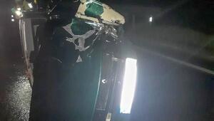 Refüje çarpıp takla atan aracın sürücüsü yaralandı