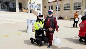 Polisten özel öğrencilere ziyaret