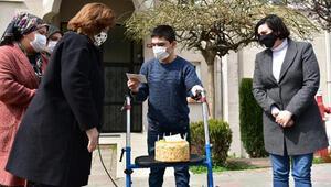 Tuzla'nın özel çocuğu Yusuf'a Başkan Yazıcı'dan doğum günü sürprizi