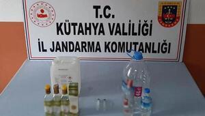 Kütahyada sahte içki üretip sattığı iddia edilen şüpheli gözaltına alındı