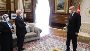 Cumhurbaşkanı Erdoğan, şehit Savcı Kirazın anne ve babasını kabul etti