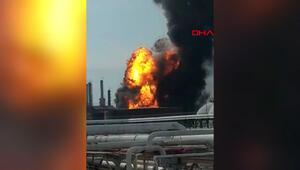 Meksikada petrol rafinerisinde patlama