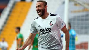 Beşiktaşta Cenk Tosundan Sergen Yalçına duygulandıran sözler: Bitecekse burada bitsin