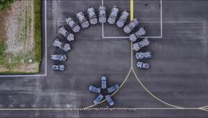 Diyarbakır polisinden zırhlı araçlarla ay yıldız gösterisi