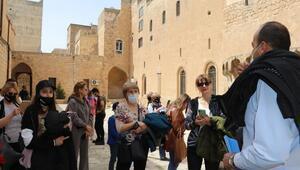 Rus turistler Mardin'de sezonu açtı