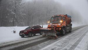Domaniçte kar yağışı, ulaşımı aksattı