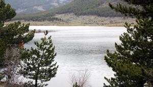 Gölette su yükseliyor