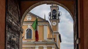 İtalyada yasa dışı telefon dinleme krizi büyüyor