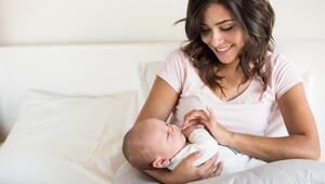 Bebek emzirmek orucu bozar mı Emziren anne oruç tutabilir mi Diyanetten açıklama