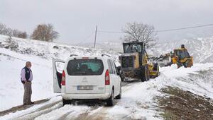 Amasyada kar nedeniyle yolu kapanan köydeki diyaliz hastası kurtarıldı