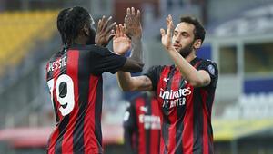 Milan, deplasmanda Parmayı 3-1 yendi