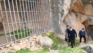 Vali Çuhadar, Palanlı Mağarasını inceledi