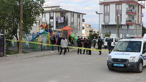 Denizlide parkta rastgele ateş açan saldırganın önüne çocuklar zarar görmesin diye geçen vatandaş yaralandı