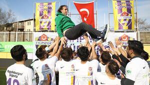 Eyüpsporun başkanı Murat Özkaya: İstanbuldaki bir semt takımının adını dünyada duyuracağız inşallah