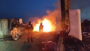 Zeytinburnunda karaya oturan gemide çalışma sırasında yangın çıktı