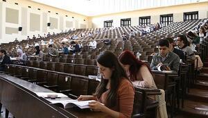 YDS için nüfus müdürlükleri açık, öğrenciler kaygılı