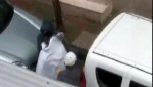 Güngörende kimseyi umursamayan hırsızları mahalle sakini görüntüledi