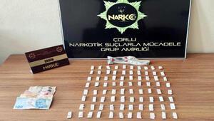 Kayıp olarak aranıyordu, uyuşturucu satarken yakalandı
