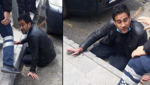 Erzurumda korkunç olay Kaldırımda yürürken dehşeti yaşadı, sırtındaki bıçakla hastaneye götürüldü