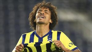 Fenerbahçede Emre Belözoğlu Luis Gustavoya kesik attı