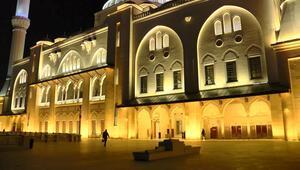 İstanbulda ilk teravihte camiler boş kaldı