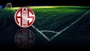 Antalyasporda bir futbolcunun Kovid-19 testi pozitif çıktı