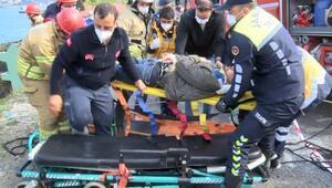 Sarıyerde otomobil uçuruma yuvarlandı Ekipler seferber oldu