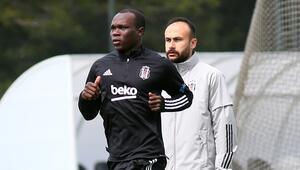Beşiktaşta takımdan ayrı çalışmaya devam eden Aboubakar ilk 11'de zor