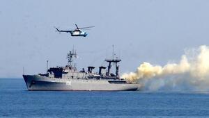 Rus savaş gemileri Karadenizde tatbikata başladı