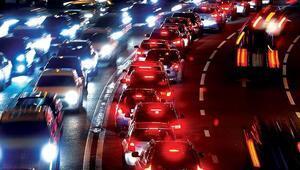 Yasak saatinde özel araçla seyahat edilebilecek mi Özel araçla seyahat yasak mı İşte şehirler arası seyahat yasağının tüm ayrıntıları